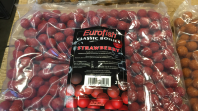 Eurofish classic boilies Strawberry 20mm / 2kg